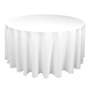 white tablecloth to floor