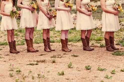 White  Dress on Outdoor Weddings   Philadelphia Wedding   Wedding Venues