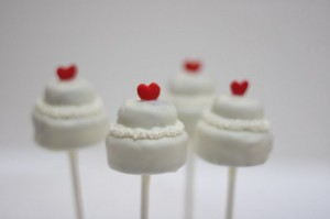 DIY Wedding Favors - Cake Pops